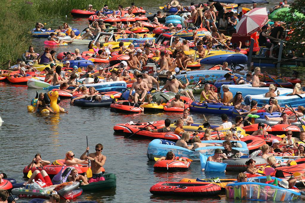 Beer Floating Kaljakellunta