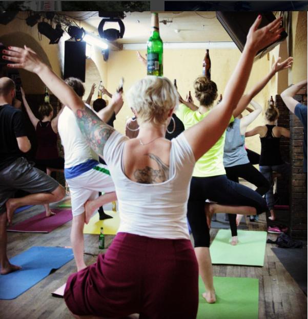 Beer Yoga; Bier Yoga