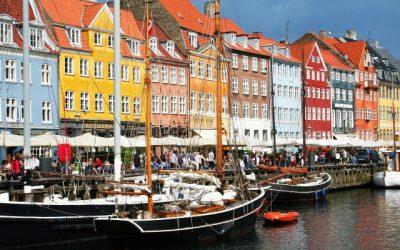 The 5 Best Copenhagen Bars You Need to Visit | Copenhagen, Denmark | Craft cocktails, beer, wine, spirits | Drinking scene
